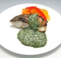 白身魚のグリル モロヘイヤソース