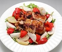 パリパリチキンと焼き野菜のサラダ風