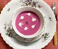 カリフラワーとビーツのスープ