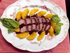 鴨のロースト オレンジとチョコレートソースで